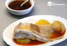 """La """"caldeirada"""" de Raya es uno de los platos más típicos de las zonas costeras de Galicia, y en concreto en las Rías Baixas. Preparación paso a paso y fotos."""