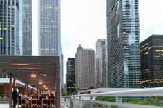 Because drinks with awesome views of Chicago > drinks without awesome views of Chicago, here are 17 places to enjoy the former, from rooftop bars in the heart of the city, to pond-side tipple-ries with Michelin stars. Riverside Plaza, Visit Chicago, Chicago Travel, Chicago Location, Lounge Club, Best Rooftop Bars, Trinidad James, Little Italy, Water Tower