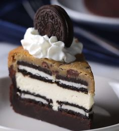 Arbonne 30 Days To Healthy Living Discover Cookie Box Brownie Cheesecake Recipe by Tasty Cookie Brownie Cheesecake -chocolate chip cookie dough -brownie mix -cream cheese oreos egg Cookie Dough Brownies, Cheesecake Brownies, Chocolate Chip Cookie Dough, Chocolate Cheesecake, Cookie Dough Cheesecake, Cookie Dough Desserts, Cookie Brownie Bars, Chocolate Chips, Chocolate Cream Cheese Cake