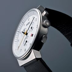 Braun Watch - crisp