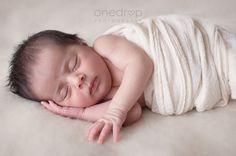 Sesión de fotos de recién nacido - newborn -  #newbornphotography #onedropphotography #uruguay  #reciennacido #fotografiareciennacido #sesion #fotos #book  Instagram @onedropphotographybymz