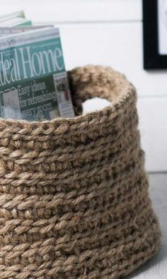 Tee virkattu lehtikori | Meillä kotona Hobbies To Try, Hobbies And Crafts, Arts And Crafts, Crochet Fashion, Knit Crochet, Crochet Style, Art For Kids, Basket, Easy