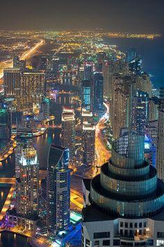 Dubai Marina, United Arab Emirates. www.haisitu.ro