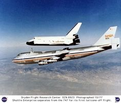 On September the National Aeronautics and Space Administration (NASA) unveiled its first space shuttle, Enterprise, at a ceremony in Palmdale, California. Space Shuttles, Avion Cargo, First Space Shuttle, Space Shuttle Enterprise, Kennedy Space Center, Space And Astronomy, Hubble Space, Space Telescope, Nasa Astronauts