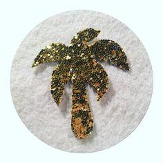 """✨✨Mettez des paillettes dans votre vie grâce à la broche """"palmier"""" en toile glitter - doré"""