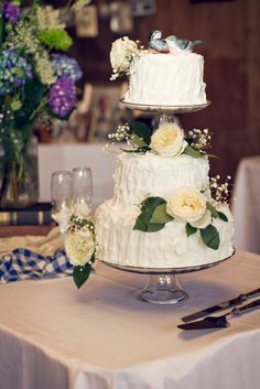 Something borrowed idea - copy your parents wedding cake design.
