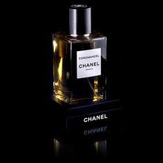 Chanel-coromandel-les-exclusifs Пирамидка: верхние ноты - Цитрусы, Амбра; ноты сердца - Ладан, Бензоин; ноты базы - Ваниль, Пачули, Древесный аккорд.