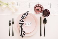 9 Creative Napkin Folding Techniques to Elevate Your Dinner Table - RMBO Collective, Diy Abschnitt, 9 Creative Napkin Folding Techniques to Elevate Your Dinner Table - RMBO Collective, Diy Abschnitt, Wedding Napkin Folding, Cloth Napkin Folding, Wedding Napkins, Cloth Napkins, Dinner Napkins, Dinner Table, Serviettes Roses, Printed Napkins, Diy Table