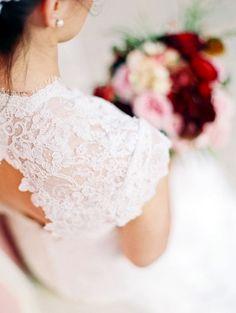 modelo de vestido de noiva com renda, lindo e delicado!
