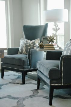 Den/library/office design photos, ideas and inspiration. Amazing gallery of interior design and decorating ideas of dens/libraries/offices by elite interior designers - Page 31 Living Room Chairs, Home Living Room, Living Room Designs, Living Room Decor, Bedroom Decor, Master Bedroom, Bedroom Seating, Sofa Design, Pillow Design