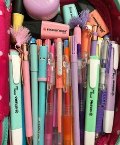 Stationary Store, Stationary School, Cute Stationary, School Stationery, Stationary Supplies, Cool Office Supplies, School Supplies Organization, Back To School Supplies, School Suplies