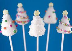 Christmas tree cake pops - more Christmas lusciousness here: http://mylusciouslife.com/a-luscious-christmas-part-one/