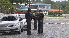 Agência bancária na UFRPE sofre tentativa de assalto, no Recife  Um dos suspeitos foi baleado e morreu.  Maioria dos integrantes da suposta quadrilha conseguiu escapar.  - Um quadrilha tentou assaltar uma agência do Bradesco, localizada na UFRPE (Universidade Federal Rural de Pernambuco), no bairro de Dois Imãos, no Recife, no início da tarde desta sexta-feira (27).    A polícia chegou na hora em que a suposta quadrilha tentava realizar o assalto na agência que fica por trás da reitoria…