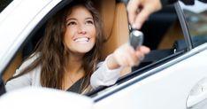 7 trucos que puedes hacer con tu coche (y no sabías)      ¿Sabías que puedes utilizar papel de periódico para quitar los restos de pegamento? ¿O que puedes calentar comida en el asiento? Te mostramos 7 trucos que puedes hacer con tu coche y que, probablemente, desconocías. Atento a esta lista, porque no volverás a mirar a tu vehículo de…