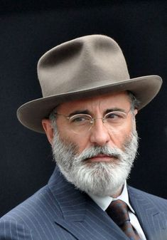 Andy Garcia, Beard Styles For Men, Hair And Beard Styles, Hairy Men, Bearded Men, Grey Beards, Mature Men, Classic Man, Gentleman Style