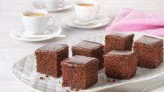 Knallgod Sjokoladekake - Oppskrift fra TINE Kjøkken Baking Recipes, Cake Recipes, Norwegian Food, Kefir, Business For Kids, Tiramisu, Food And Drink, Pudding, Eggs