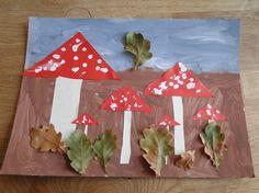Herfstknutsel paddestoel en blaadjes