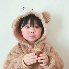 Find images and videos about baby, kids and اطفال on We Heart It - the app to get lost in what you love. Cute Asian Babies, Korean Babies, Asian Kids, Cute Babies, Cute Little Baby, Little Babies, Baby Kids, Baby Boy, Cute Baby Photos