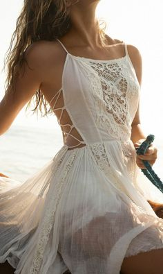 Free People's cute dresses fit every occasion! Shop online for summer dresses, sundresses, casual dresses, white boho maxi dresses & more. Look Boho, Bohemian Style, Boho Chic, Hippie Style, Bohemian Fashion, Hippie Chic, Bohemian Dresses, Hippie Gypsy, Cute Dresses