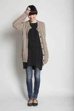 tunic, jeans, cardigan, flats = yes