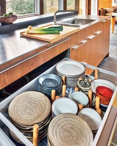dish drawer, great pulls