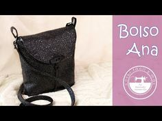 Ana, el bolso fácil para hacer en una tarde - YouTube Handbag Patterns, Nespresso, Drawstring Backpack, Purses And Bags, Pouch, Backpacks, Handbags, Blog, Sewing