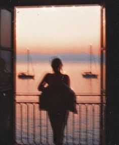 Read More on the Think Positive and Have the BOOK Even if the path gets a little blurry sometimes keep going Summer Aesthetic, Aesthetic Vintage, Aesthetic Photo, Aesthetic Pictures, Aesthetic Girl, Film Aesthetic, Aesthetic Drawing, Purple Aesthetic, Fotografia Retro