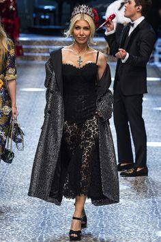 Dolce & Gabbana | Milan Fashion Week | Fall 2017 - welcome in the world of fashion