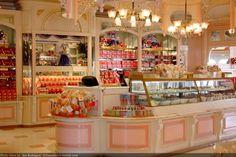 Disneyland main street shops. Sigh. I wanna be there!