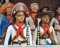 artesanato brasileiro South American Art, Arte Popular, Bahia, Folklore, Pop Art, Polymer Clay, Biscuit, Popular Crafts, Recife