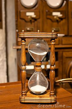⌛ wooden sand glass ⌛