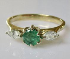 18ct Gold Emerald