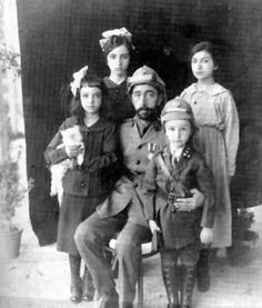 King Faisal I of Iraq & His Childrens (Arabs (Adnan)) | Faisal is the 3rd son of Hussein bin Ali the Sharif of Makkah (Now in the Kingdom of Saudi Arabia), he rebelled from the Ottoman Empire & later became the King of Iraq