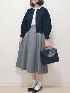 Insta gijigijigijiii twitter gijipom Minimal Outfit, Minimal Fashion, I Love Fashion, Daily Fashion, Fashion Design, Ulzzang Fashion, Korean Fashion, Smart Casual Wear, Japanese Street Fashion