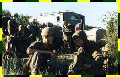 Medics close at hand Defence Force, Africans, Middle East, Medical, War, Country, Couple Photos, Classic, Medical Doctor