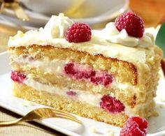 Eine einfache Torte mit Himbeeren und einer Mascarpone-Creme