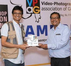 My brother Jayeshbhai honouring me for #Tamron- #VPAG workshop on #Wedding #Photography at #AMA  #ileshshah #www.ileshshah.com #ileshshahphotography  #Tamron #Lens #Zoom #Wide #Tele #Macro #Workshop #Training #Mentor #Photography #Travel #Wedding #Wildlife #10-24 #24-70 #70-200 #150-600 #Technology #Nikon #Canon #Sony #Ahmedabad #Gujarat #India