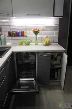 New kitchen ikea ideas mini 41 Ideas Small Apartment Kitchen, Living Room Kitchen, New Kitchen, Kitchen Decor, Kitchen Cabinets And Countertops, Minimal Kitchen, Luxury Kitchens, Küchen Design, Interior Design Kitchen