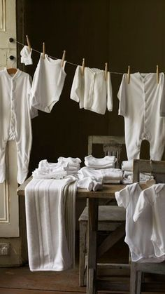 "Wash day - check out the ""long johns"" hanging on the clothesline! Doing Laundry, Laundry Room, Laundry Art, What A Nice Day, Laundry Lines, Call The Midwife, Vintage Laundry, Country Life, Country Charm"
