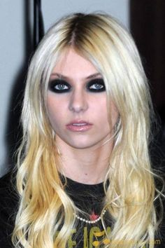 My new fashion inspiration...Taylor Momsen...where have you been all my life?!