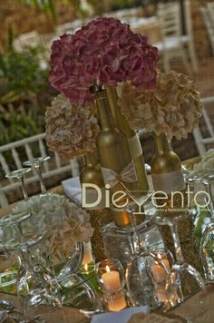 Decoracion con botellas de vino. Genial!