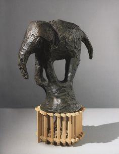 Barry Flanagan  Elephant 1981, retrouvez l'éléphant dans la collection d'art de la société générale, ouvert au public, à réserver en ligne sur leur site