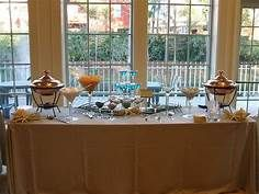 University of Tampa had a mashed potato martini bar for Senior Night at the Tampa Aquarium as one of the appetizers. Since then, I always thought it would be fun as part of a wedding buffet. Mashed Potato Bar, Mashed Potatoes, Amazing Weddings, Simple Weddings, Wedding Simple, Fruit Display Wedding, Martini Bar, Food Stations, Fruit Displays