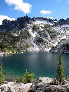 McClellan Peak and Leprechaun Lake, the Enchantments, Wenatchee National Forest, Washington