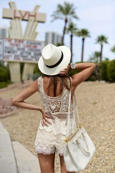 How to Chic: FASHION BLOGGER STYLE - LOVELY PEPA