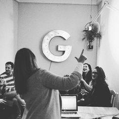 Comparte tus momentos #condeduquegente con nosotros. @barlagloria  Hoy en La Gloria lo daremos todo hasta última hora pero mañana... Fiesta para todos!  #lagloria #malasaña #condeduque #condeduquegente #martes #gintonics #wines #party #music #food #andalucia #madrid