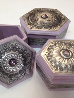 Pretty pewter trinket boxes created by Mary Ann Lingenfelder at Mimmic Gallery and Studio.