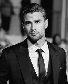 Theo James Photos Photos - Actor Theo James attends Summit Entertainment's 'Divergent' Premiere at Regency Bruin Theatre on March 2014 in Los Angeles, California. - 'Divergent' Premieres in LA — Part 2 Theo James, Theodore James, James 3, Celebrity Crush, Celebrity Photos, Popsugar, Look At You, How To Look Better, Gorgeous Men