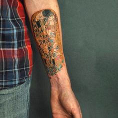 Klimt's The Kiss forever immortalized. | 19 Tattoos That Will Make Art History Nerds Geek Out
