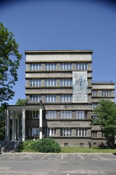 Reaction to Modernism - Architecture of Adolf Szyszko-Bohusz - Image Gallery Bauhaus, Art Deco, Constructivism, Building Design, Modern Architecture, Functionalism, Multi Story Building, Dom, Gallery